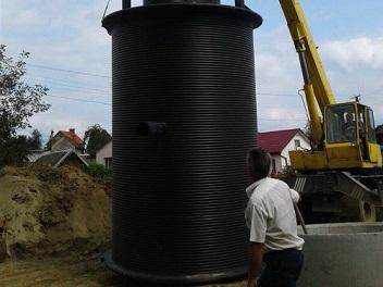 Виготовлення каналізаційної насосної станції з камерою переключень
