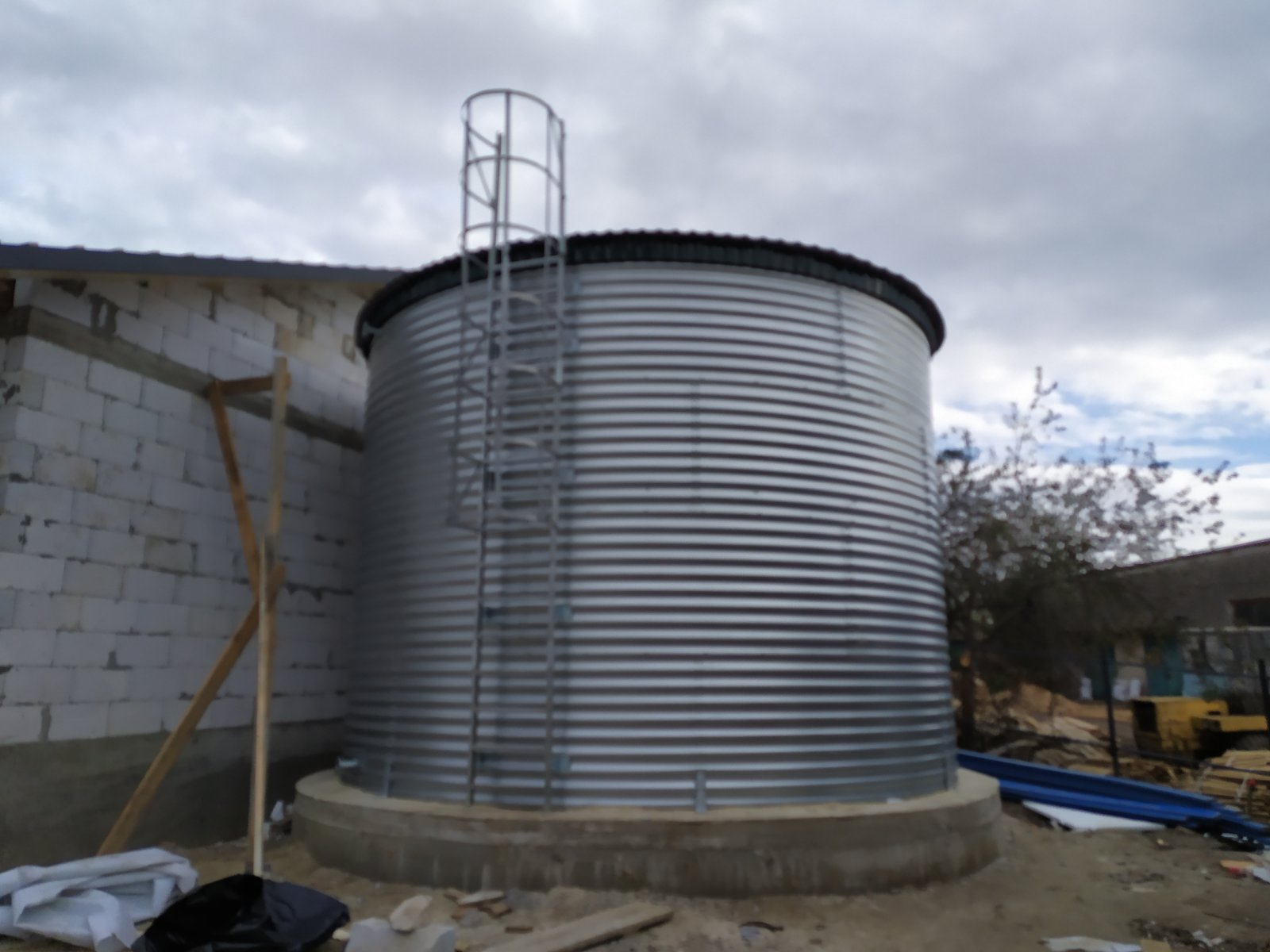 Fire tank for water supply with a volume of 150 m3.