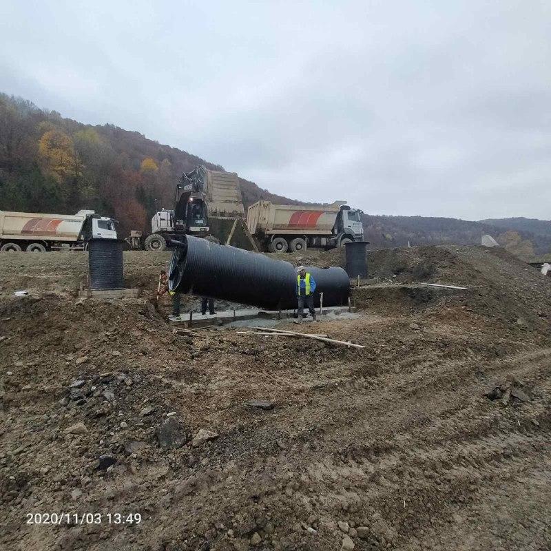 Oil catcher for road / bridge construction